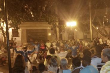 Apresentação de dança na Plaza Bolívar